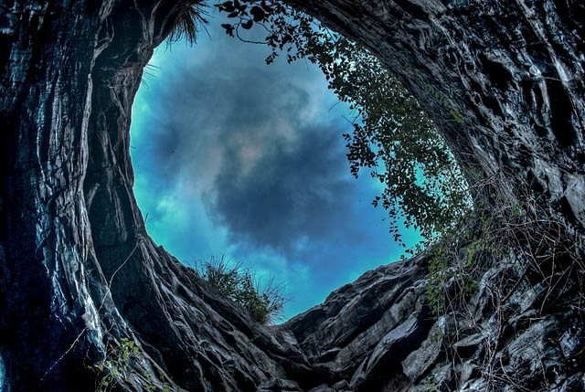 sinkhole-in-belum-caves
