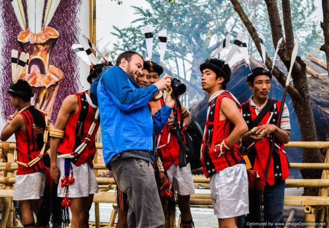 ao-warriors-interacting-with-a-traveler_hornbill-festival