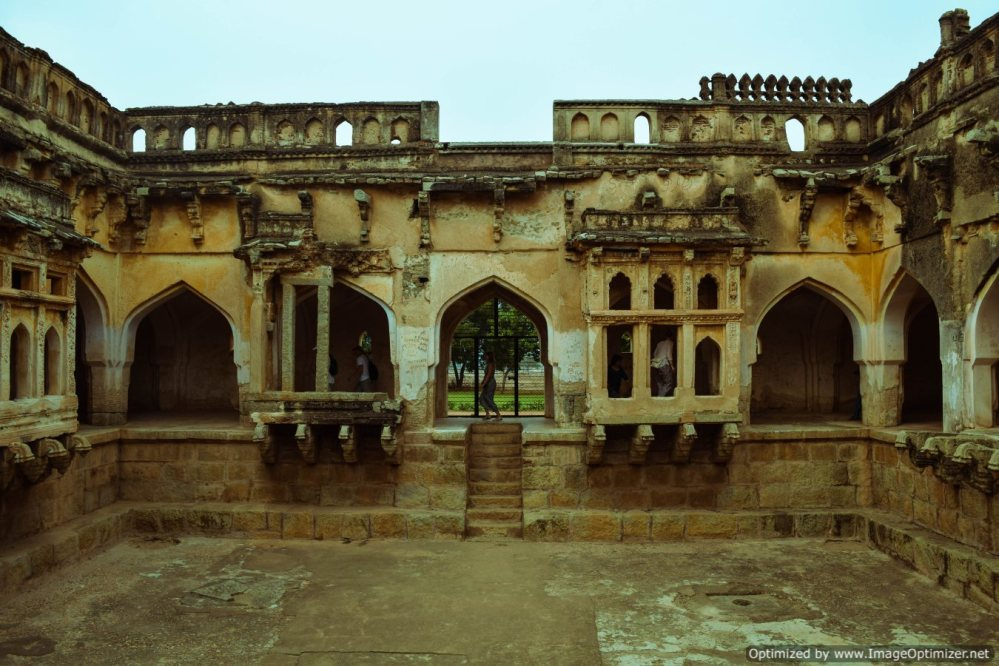 queens-bath_hampi
