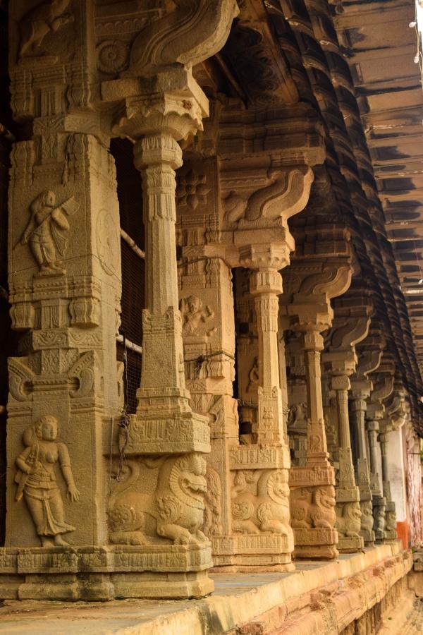 walls-ahobilam-temple