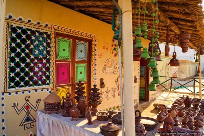 a-kutchchi-hut-in-tent-city