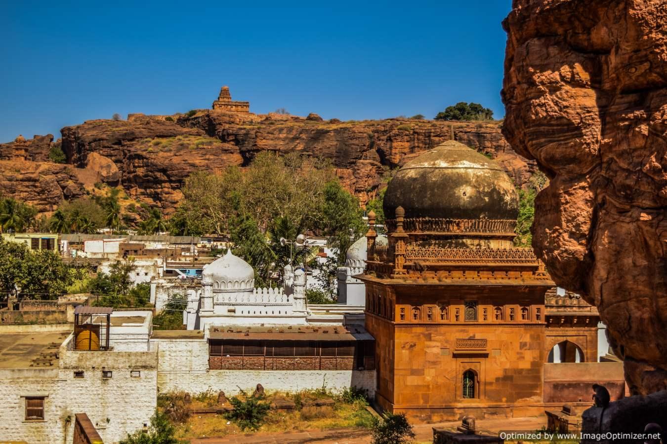 adilshahi-mosque_badami