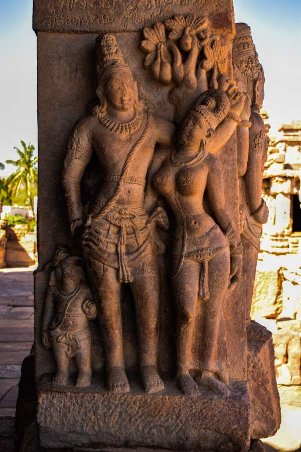 hindu-sculpture-at-virupaksha-temple_pattadakal_badami