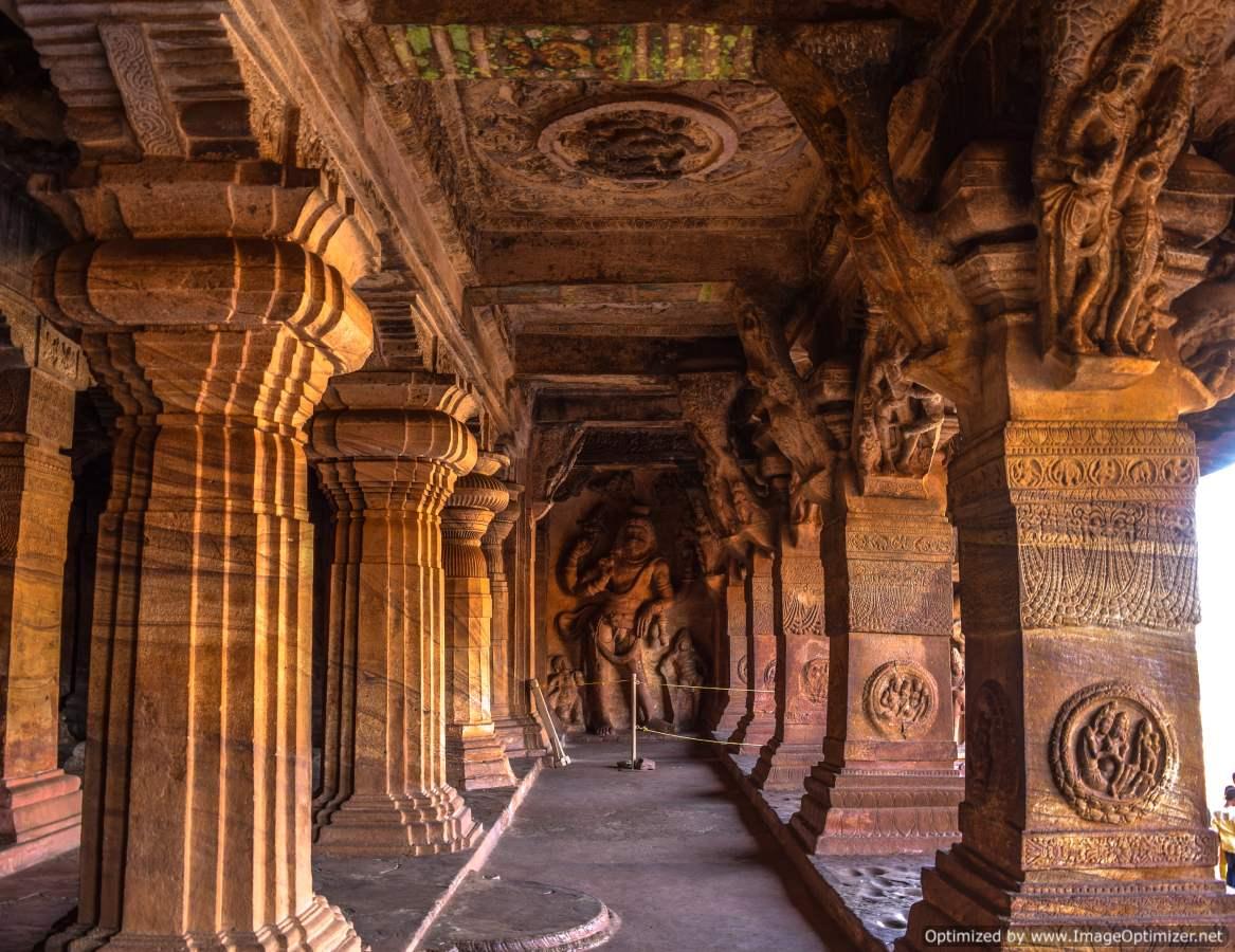 lord-shiva-in-badami-caves