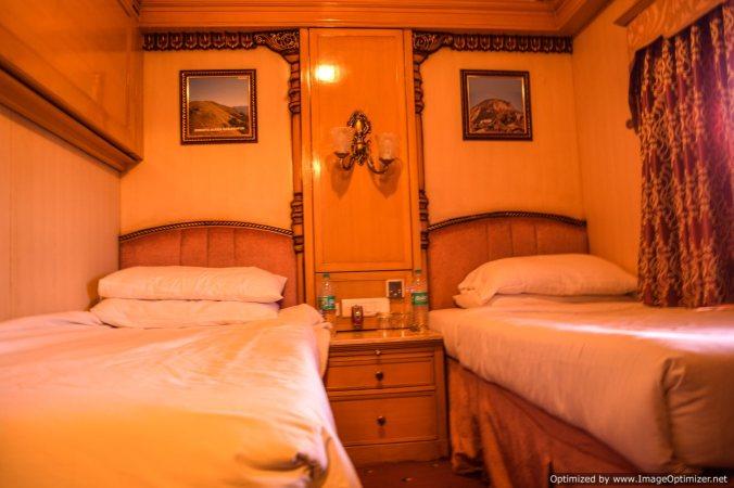 Golden chariot_room