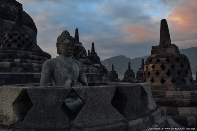 Borobodur the highest rung@early morning