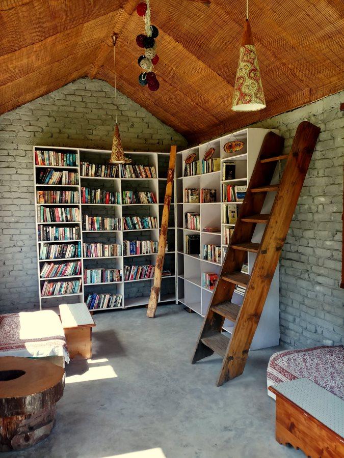 Library_Larisa Resort