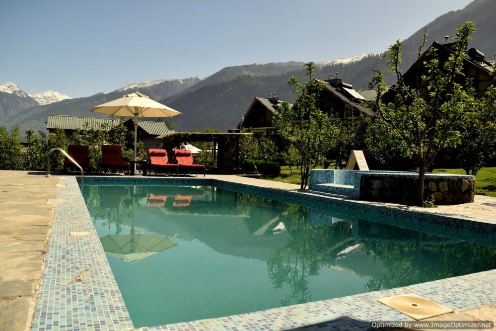 Pool_Larisa Resort