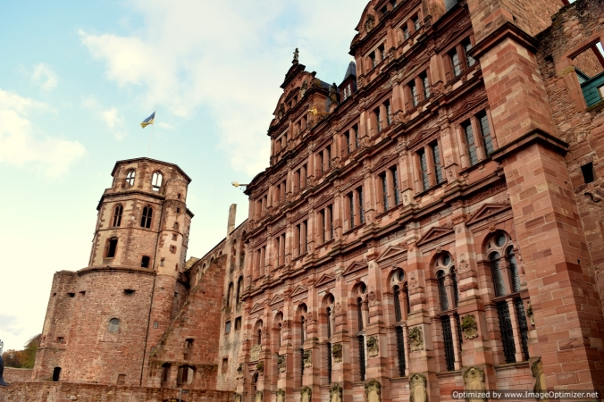 Even though in ruins now, the Heidelberg castle cuts a romantic figure