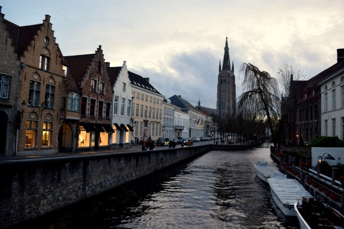 To see the prettiest parts of the town, wander along the Dijver canal, snaking through the town.